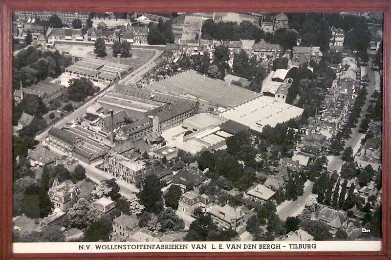 Ingelijste luchtfoto wollenstoffenfabriek L.E. van den Bergh, Tilburg