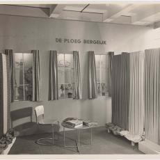 Presentatie Ploegstoffen op de Jaarbeurs te Utrecht maart 1938 - Pictura (fotografie), Wim Brusse (Amsterdam)