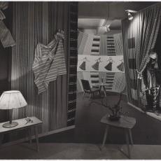 Presentatie op beurs van stoffen uit Ploegcollectie - Ed van der Elsken (Amsterdam), Pictura (fotografie)