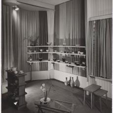 Gordijnstoffen op najaarsbeurs 1950 - Ed van der Elsken (Amsterdam), Pictura (fotografie)