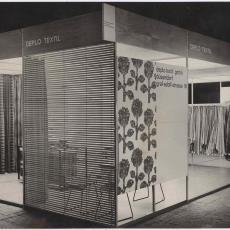 Presentatie Ploegcollectie 'Deplo Textil' op beurs in Duitsland - Pictura (fotografie), onbekend