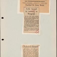 Twee krantenknipsels uit Dagblad De Stem (Breda) en het Algemeen Dagblad over de brand in een van de weverijen van De Ploeg in mei 1956 - Pictura (fotografie)