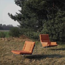 Spectrum fauteuil sz07/Kyoto 1 (links) en sz09/Nagoya 1 (rechts) buiten gefotografeerd - onbekend, Pictura (fotografie)