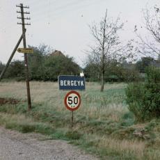 Toegangsweg naar Bergeijk - onbekend, Pictura (fotografie)