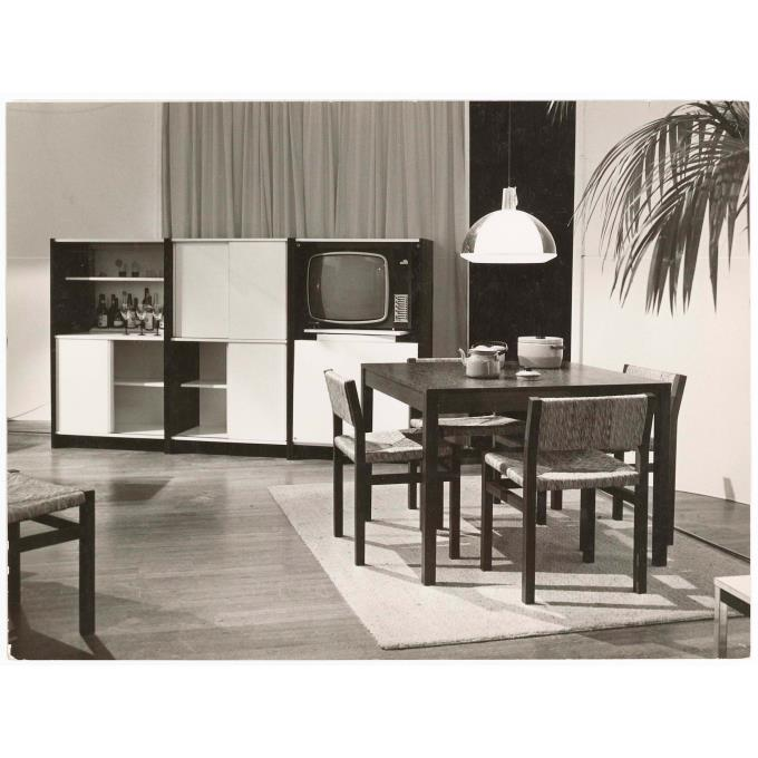 Eind jaren 39 60 interieur met spectrum meubelen for Jaren 60 meubelen