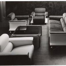 Spectrum fauteuils sz28, driezitsbank bz29 en salontafel - Pictura (fotografie), Dick Hetjes (Bergeijk)