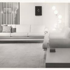 Wooninterieur ingericht met meubelen van Martin Visser - onbekend, Pictura (fotografie)