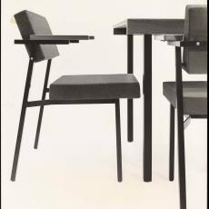 Zijaanzicht stoel se21 en eettafel te21 - Jan Versnel, Pictura (fotografie)