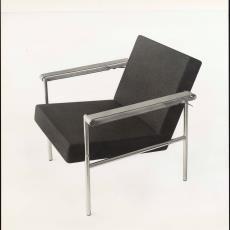 Zijaanzicht fauteuil sz08 met leren armleggers - Pictura (fotografie), W.A. Meischke