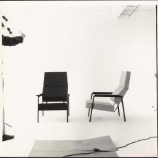 Voor- en zijaanzicht fauteuil sz33 - Jan Versnel, Pictura (fotografie)