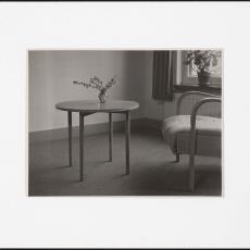 Ronde salontafel - Pictura (fotografie), onbekend