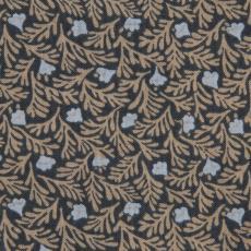 Stofstaal katoenen stof uit 'Multifesta-reeks' met dessin van takjes en bloemetjes in regelmatig patroon over het vlak verspreid, dicht op elkaar - Vlisco (Helmond), Frans Dijkmeijer, Weverij De Ploeg (Bergeijk)