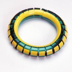 'Tuinslangarmband' - Maria Hees, Textielmuseum (Frans van Ameijde / Joep Vogels), Textielmuseum (Frans van Ameijde / Joep Vogels), Textielmuseum (Frans van Ameijde / Joep Vogels)