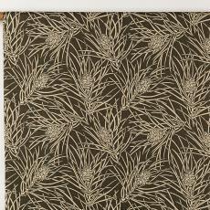 Gordijnstof uit 'Multifesta-reeks' met dessin van dennenappels - Vlisco (Helmond), Textielmuseum (Josefina Eikenaar), Textielmuseum (Josefina Eikenaar), Weverij De Ploeg (Bergeijk), Frans Dijkmeijer