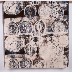 Gordijnstof met bomen en vissen in cirkels - Textielmuseum (Josefina Eikenaar), Het Paapje (Voorschoten), Klaas van Biezen