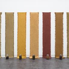 Installatie 'Vezels, bindingen en verfplanten' - Textielmuseum, Nan Groot Antink