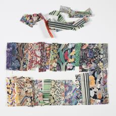 Ontwerp, monstervoorbeeld met stroken textiel in met name bloemenprints en 2 gestreepte stroken - Lange, Tommy de, Désirée Scholten-van de Rivière
