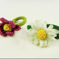'Bloemring' (Flower Ring) en 'Madeliefje Ring' (Daisy Ring) - Textielmuseum (registratiefoto), Textielmuseum (registratiefoto), Textielmuseum (registratiefoto), Felieke van der Leest