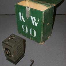 Kistje met transformator van Krachtwerktuigen Amersfoort - Krachtwerktuigen Amersfoort, Textielmuseum (registratiefoto)