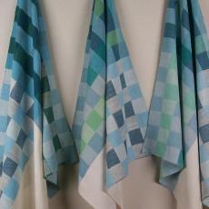 Blauw-groen-wit geblokte droogdoek - Handweverij en Ontwerpatelier K. v.d. Mijll Dekker (Nunspeet), Kitty van der Mijll Dekker (Fischer-), Textielmuseum (registratiefoto)