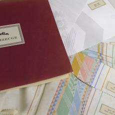 Stalenboek 'Merlin Tischzeuge' - Linnen- en damastweverij A. Louwers (Meerveldhoven), Textielmuseum (registratiefoto), Merlin Tischzeug, Textielmuseum (registratiefoto)