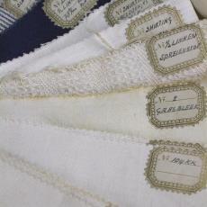 Stalenboek linnengoed - Textielmuseum (registratiefoto), Linnen- en damastweverij A. Louwers (Meerveldhoven)