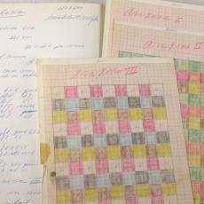 Werkschrift met werktekeningen voor Aabe-dekens - Textielmuseum (registratiefoto), Textielmuseum (registratiefoto), Textielmuseum (registratiefoto), Textielmuseum (registratiefoto), Textielmuseum (registratiefoto), Textielmuseum (registratiefoto), Jan Kollau, Koninklijke AaBe Wollenstoffen- en Wollendekenfabrieken (Tilburg)