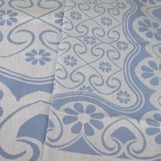 Blauw-wit tafellaken met bloemmotief - Van Dijk-Manders (Waalre), Walra (Waalre), Textielmuseum (registratiefoto)