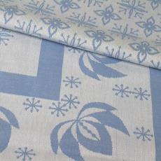 Blauw-wit tafellaken met gestileerd bloemmotief - Van Dijk-Manders (Waalre), Textielmuseum (registratiefoto), Walra (Waalre)