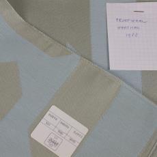 Proefstaal voor een geweven stof voor tuinstoelen - Plush (Wevelgem), Diek Zweegman, Textielmuseum (registratiefoto), BRS Premsela Vonk, Textielmuseum, Textielmuseum (registratiefoto), Hartman (Enschede)