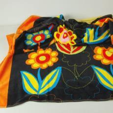 'Spirit' (9044/008), uit collectie: Re-colour your world, badhanddoek - JMA, Textielmuseum (registratiefoto), Raffi & Co, Maarten Vrolijk