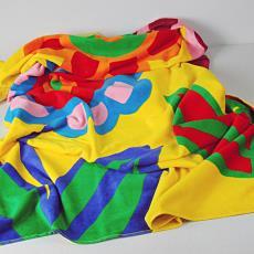 'Holiday' (9045/004), uit collectie: Re-colour your world, badhanddoek - Maarten Vrolijk, Raffi & Co, Textielmuseum (registratiefoto), JMA