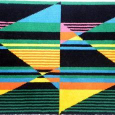Tapijtstaal (PB389P1) met felgekleurd dessin - Lenie Hoos, Textielmuseum (registratiefoto), Storck van Besouw Interior (Goirle)