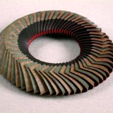 'Zonder titel' (Halssieraad) - Textielmuseum (registratiefoto), Textielmuseum (registratiefoto), Textielmuseum (registratiefoto), Nel Linssen, Textielmuseum (registratiefoto)