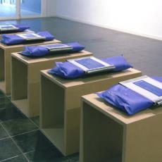'De kleur van macht' - Albert Van Der Weide, Textielmuseum (registratiefoto)